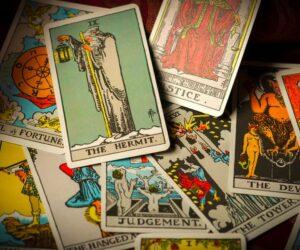 Migliorerà il futuro con le carte